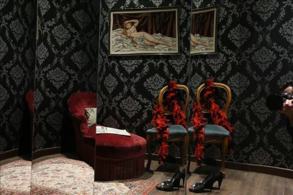 the escape hunt experience escape game paris. Black Bedroom Furniture Sets. Home Design Ideas