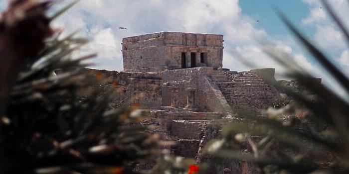 Le triangle - le temple maya
